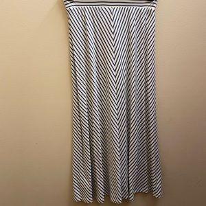 girls madi skirt size 7-8